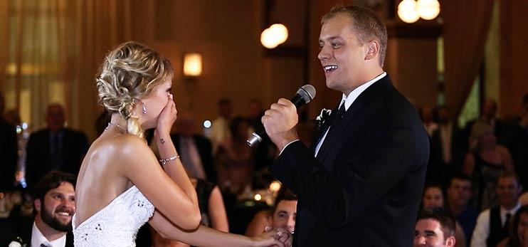 Жених поет невесте под минусовку песни