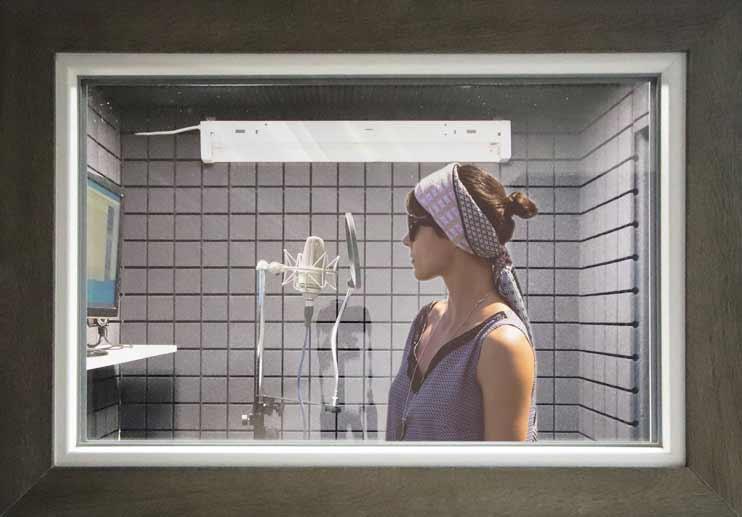 Записать песню под минусовку можно в студии Vivaldi