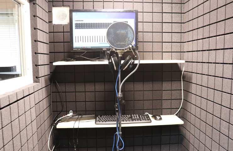 Вокальная кабина для записи песен под минус