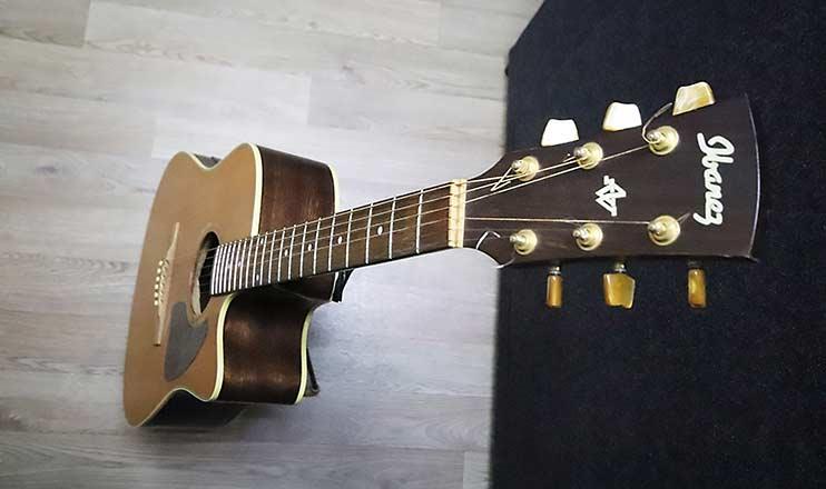 """Электроакустическая гитара Ibanez используется в студии Vivaldi при создании минусовок с """"живыми"""" инструментами"""