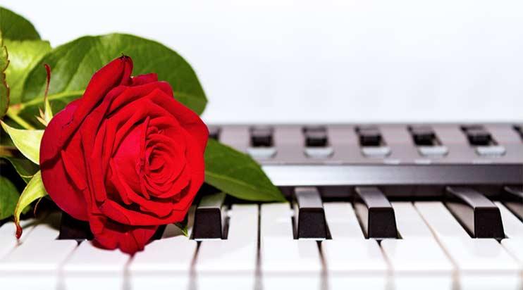 Какую песню спеть в подарок?